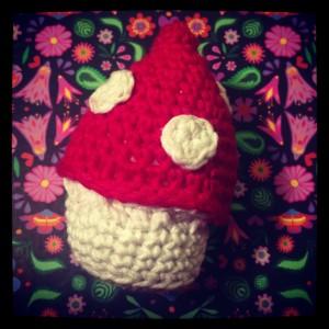 A little crochet amigurumi mushroom.