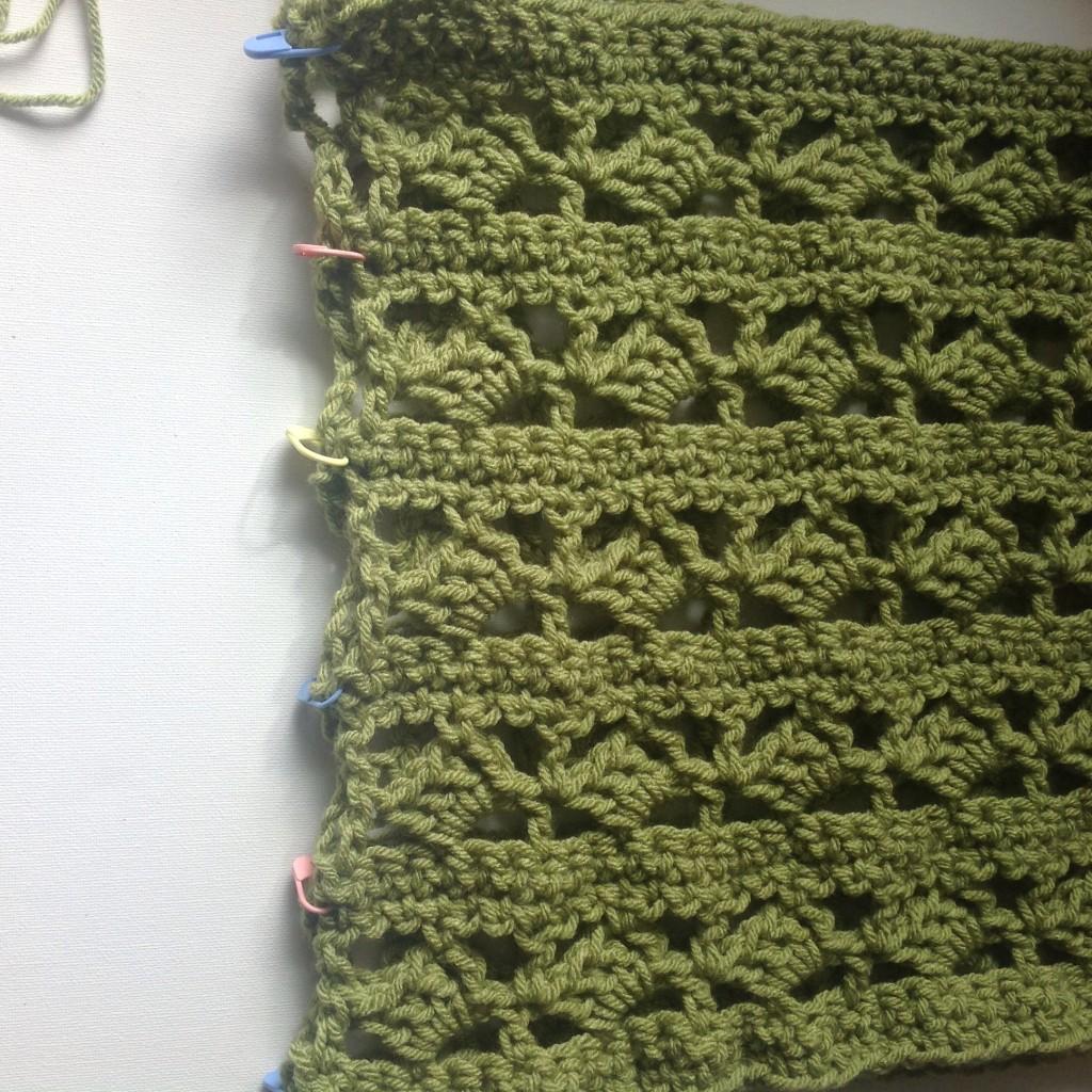 Crochet cowl pattern-align the edges